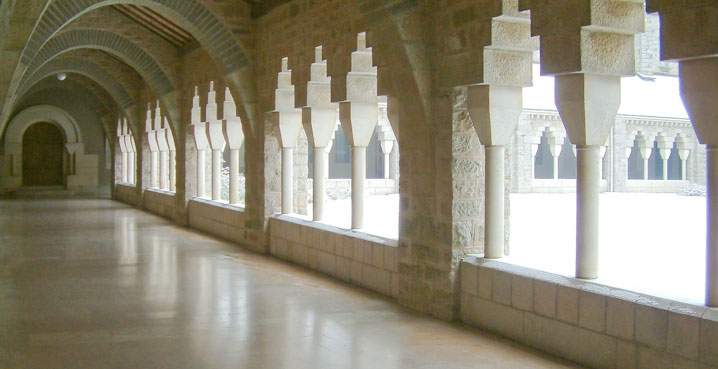 Grand cloître de Solesmes
