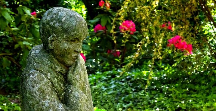 statue de moine solesmes